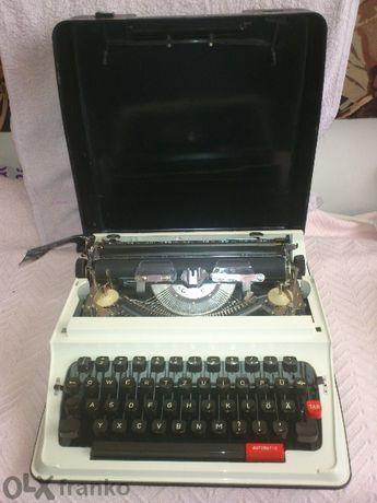 пишеща машина с латински букви ELIT