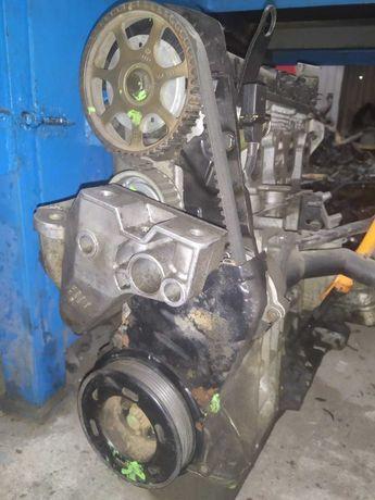 Двигатель на Гольф 4 1,6 л 8 кл. ( Volkswagen & Audi )