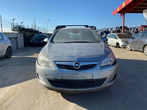 Опел Астра J 1.4 / Opel Astra J 1.4