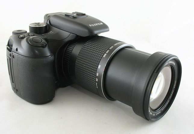 Vând aparat foto Fuji S100fs