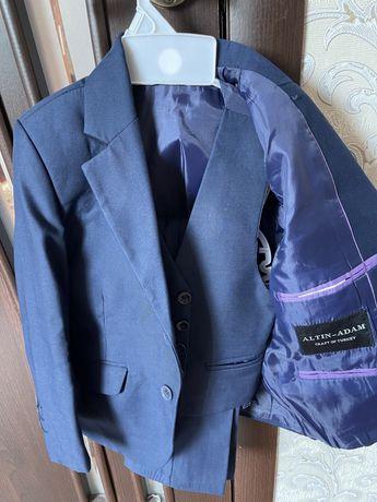 Школьный костюм,троика, брюки разные 2,3,4кл