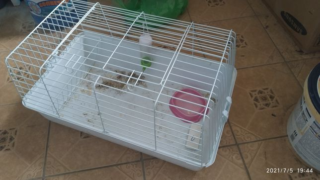 Продам клетку для хомяков