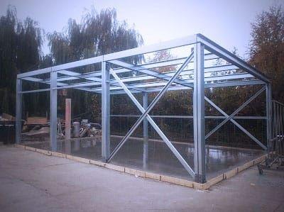 Vand  hala metalică cu structura metalică din panou izolat 10x30