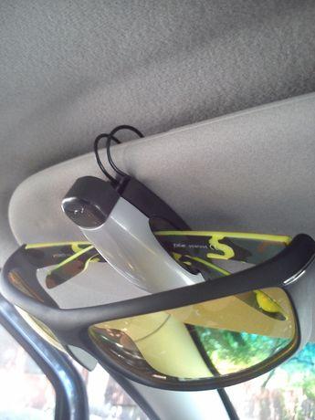 ПРОМО Сенник щипка стойка за очила за кола автомобил ,два вида