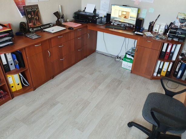 Продаю офисный стол и книжную полку