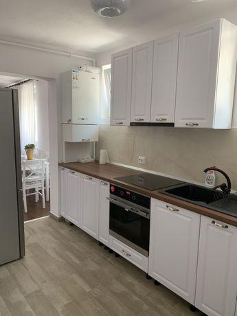 Vând apartament cu 2 camere mobilat și utilat.Sighisoara