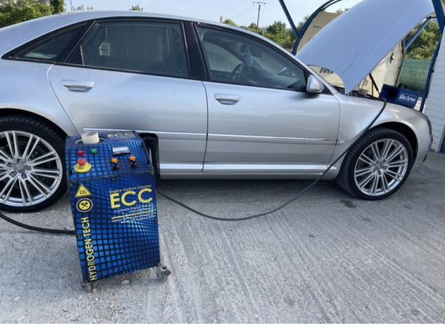 Aparat profesional pentru decarbonizare auto