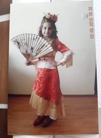 Rochita Mulan pentru 4 - 6 ani