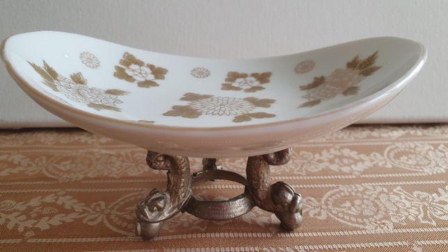 Fructiera, elegant obiect decorativ PE SUPORT METALIC CU PICIORUSE,