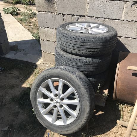 Продам комплект колёс, резина Hankook, размеры 205/60/R16,  5х114.3 Це