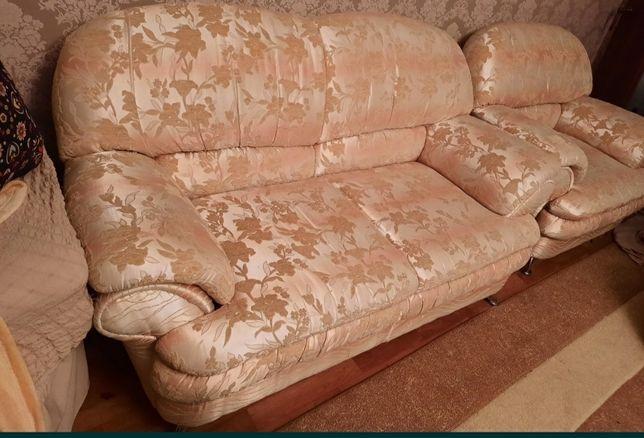 2 дивана,2 кресла