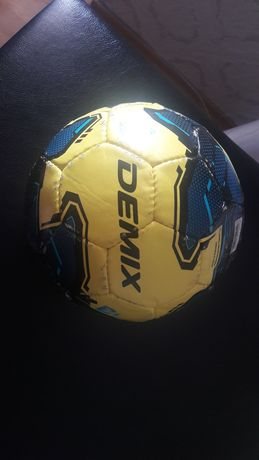 Футзальный мяч за 9000 тг