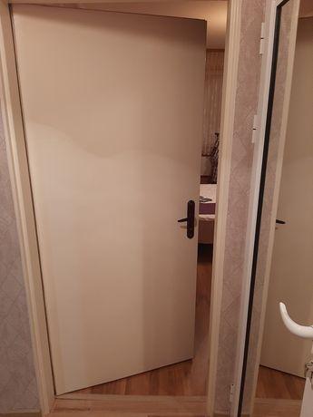 Продавам интериорни врати