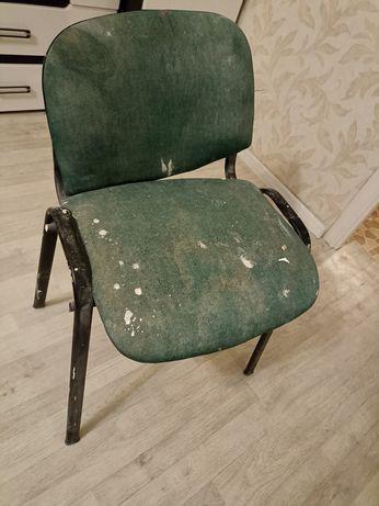 Отдам бесплатно стул и картины