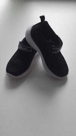 Продам деткие кроссовки, размер 26
