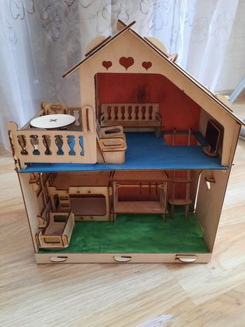 Домик для кукол продам