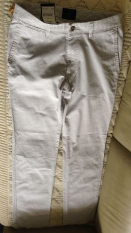Летние мужские брюки от Bugatti размер 40