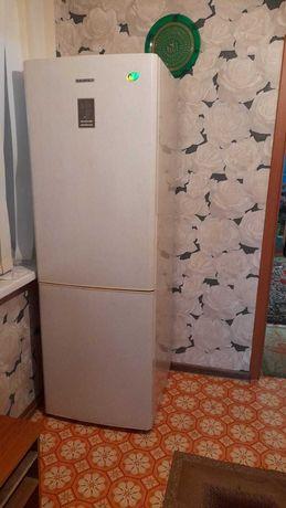 Холодильник Самсунг, No frost, нерабочий