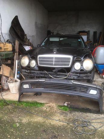 Продавам купе на МБ. Е клас 300 ТД 177кс