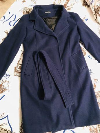 Продам почти новое женское пальто за 3.000тг