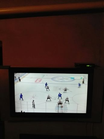 Телевизор Самсунг 102 дио-аль в хорошем состояний,с коробкой,с док-ми.