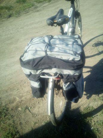 Рюкзак и сумка для велосипеда