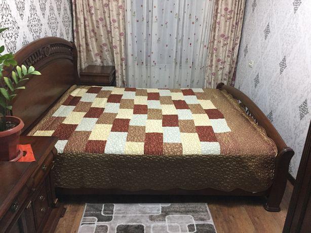 Кровать и два тумба