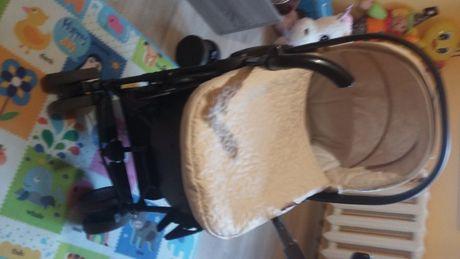 Бебешка количка с два коша