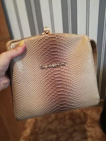 Продам сумочку в отличном состоянии