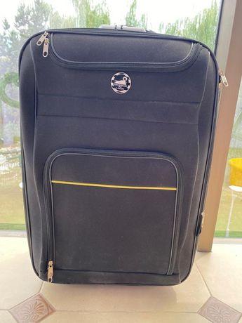 чемодан на колесиках В 60 * Ш 40 см в отличном состоянии