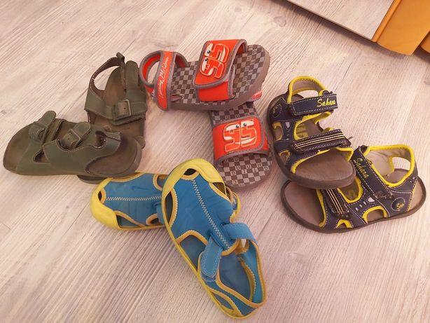 Sandale copii,diferite mărimi!