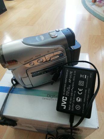 Видеокамера JVS GR-D240E
