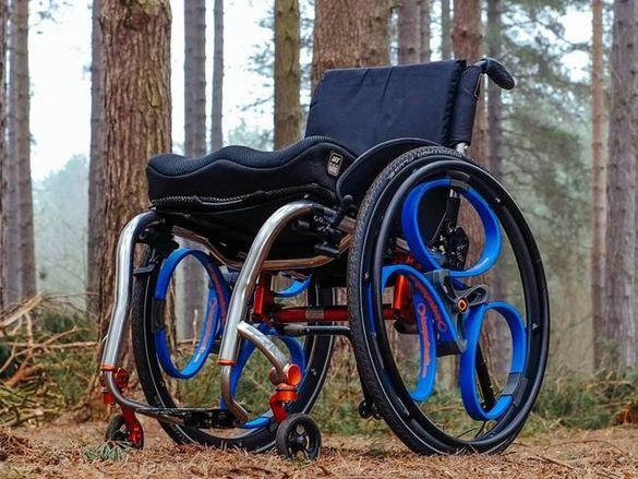 Гуми за инвалидни колички