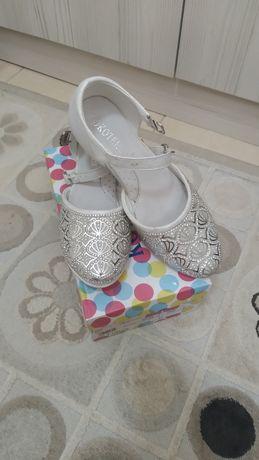 Красивые туфли размер 34