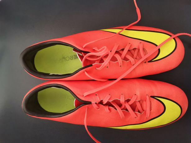 Nike Mercurial pentru fotbal