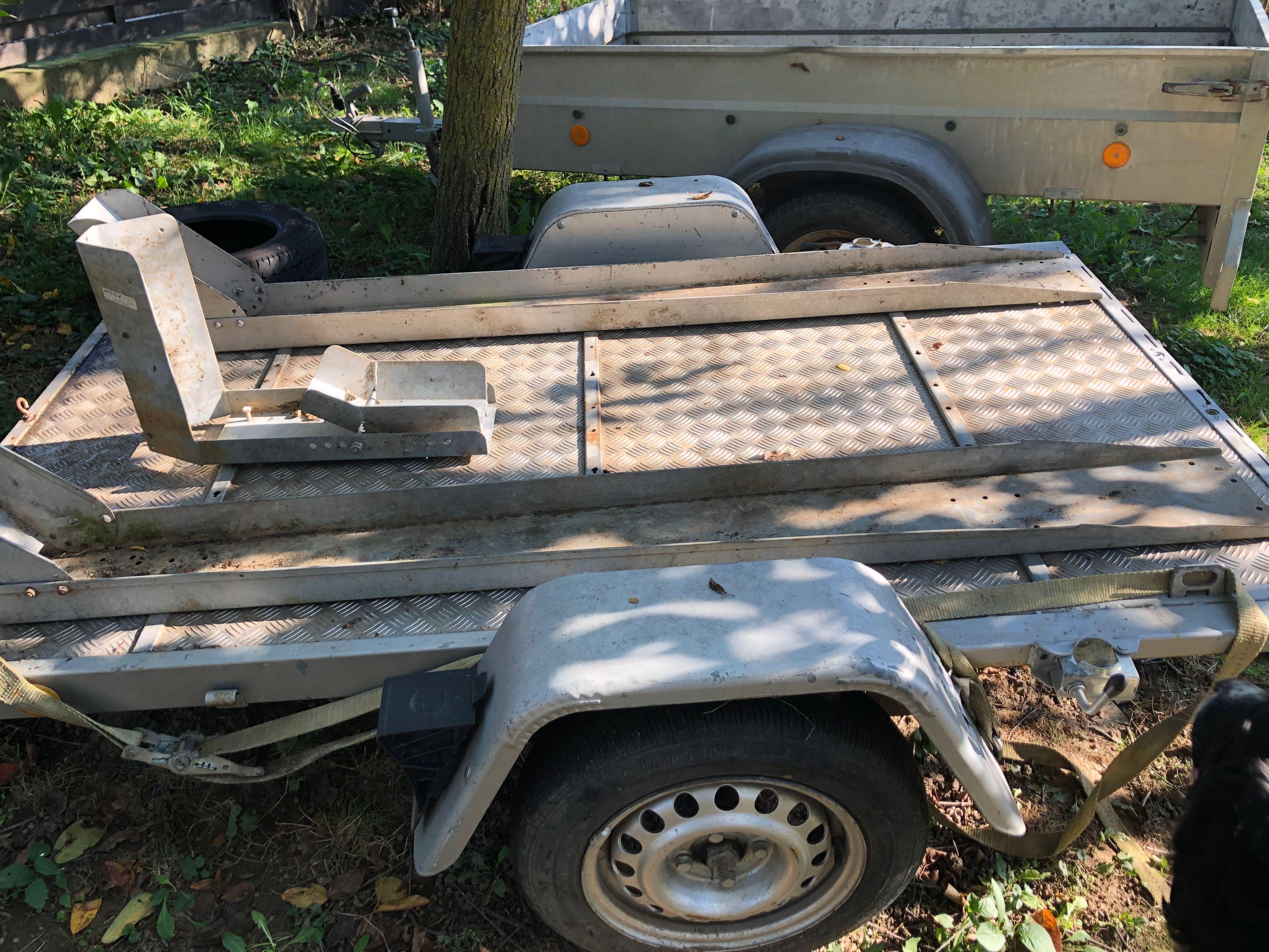 Vand trailer cu un ax