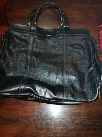 Vând poșetă geanta mare dama Avenue