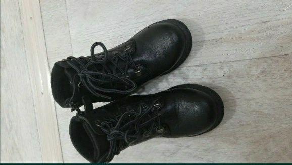 Продам ботинки демисезонные на мальчика