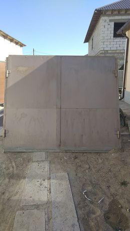 Продаются железные ворота, длина 2.70 ширина 2.30,цена 50000