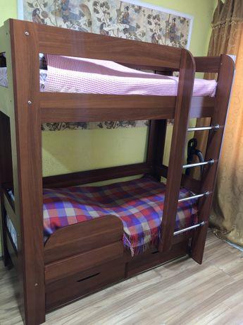Продается двухьярусная кровать