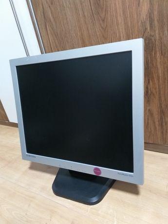 Monitor Samsung SyncMaster 913V 19 inch + cabluri