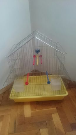 Клетка за птици-тип къщичка
