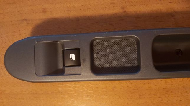 Consola butoane geamuri electrice Peugeot 207 & Citroen C3