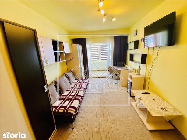 Ap decomandat cu 2 camere si 2 balcoane situat in Valea Aurie