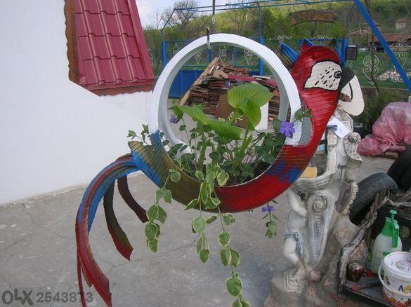 Уникални декорации от гуми - саксии