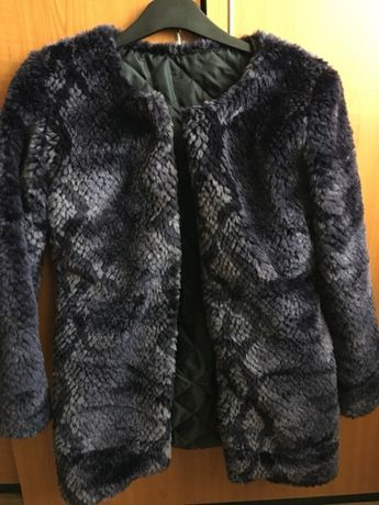 blana palton cu imprimeu de sarpe