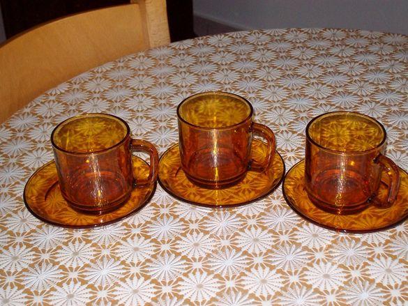 Комплект чинийки и чаши за кафе
