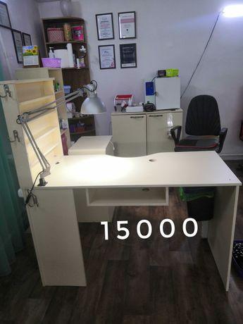 Продам б/у маникюрный стол