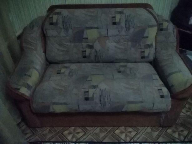 Продам диван раскладной.