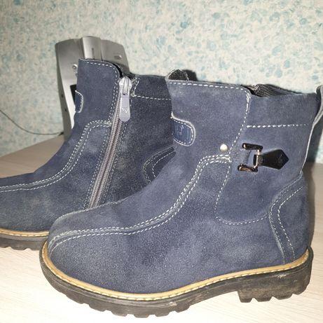Продам зимнии ботинки с натуральн.замши и внутри натуральная овчина.